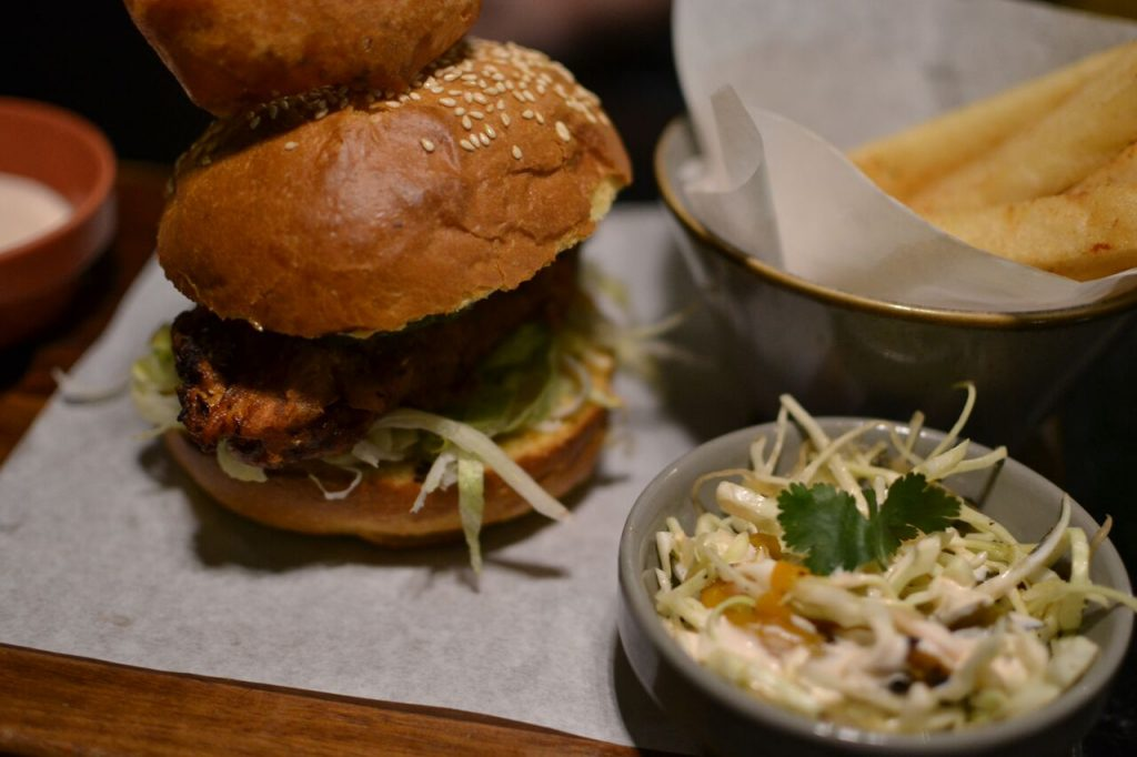 #Brewfood, burger, chicken burger, beer brioche, Social Savage, BoozyFoodie, Beerhouse, Centurion, Pretoria, Beer, Craft Beer, Restaurant, Foodie